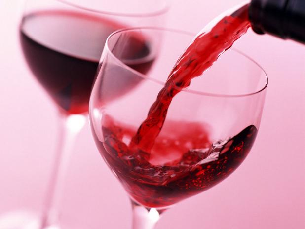 Uma-copo-de-vinho-é-equivalente-a-30-minutos-de-atividade-física